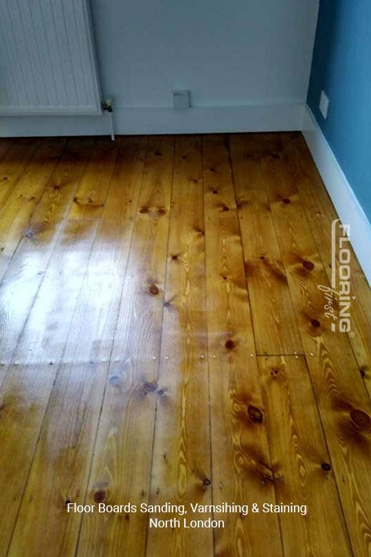 Floorboards sanding, varnishing and staining in North London 5