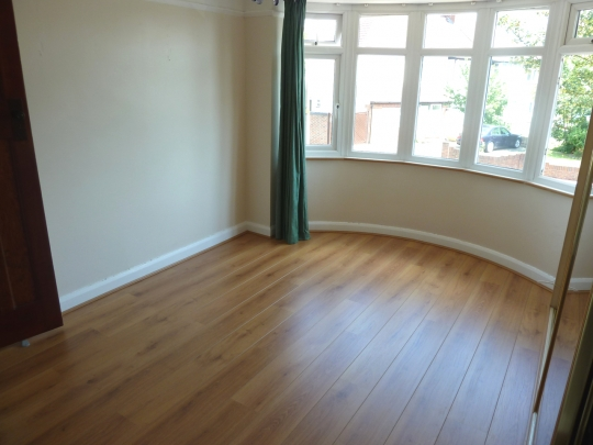 Affordable floor fitters parquet floor layers in palmers for Laminate flooring enfield