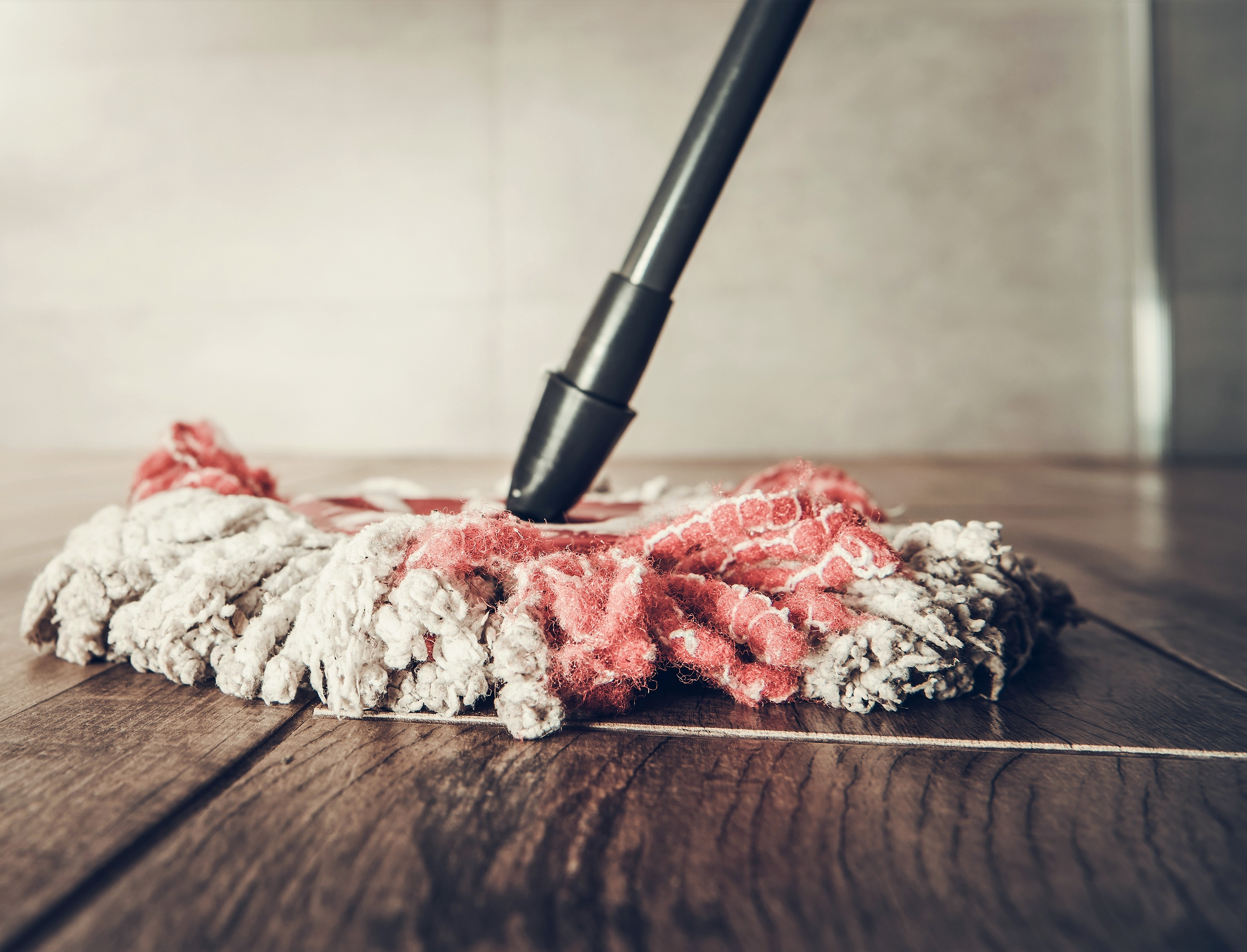 cleaning-wooden-flooring-image