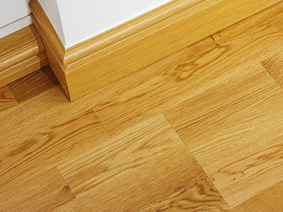 Skirting boards and renovation of wood flooring